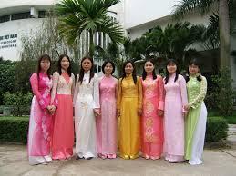 Traje tradicional vietnamita