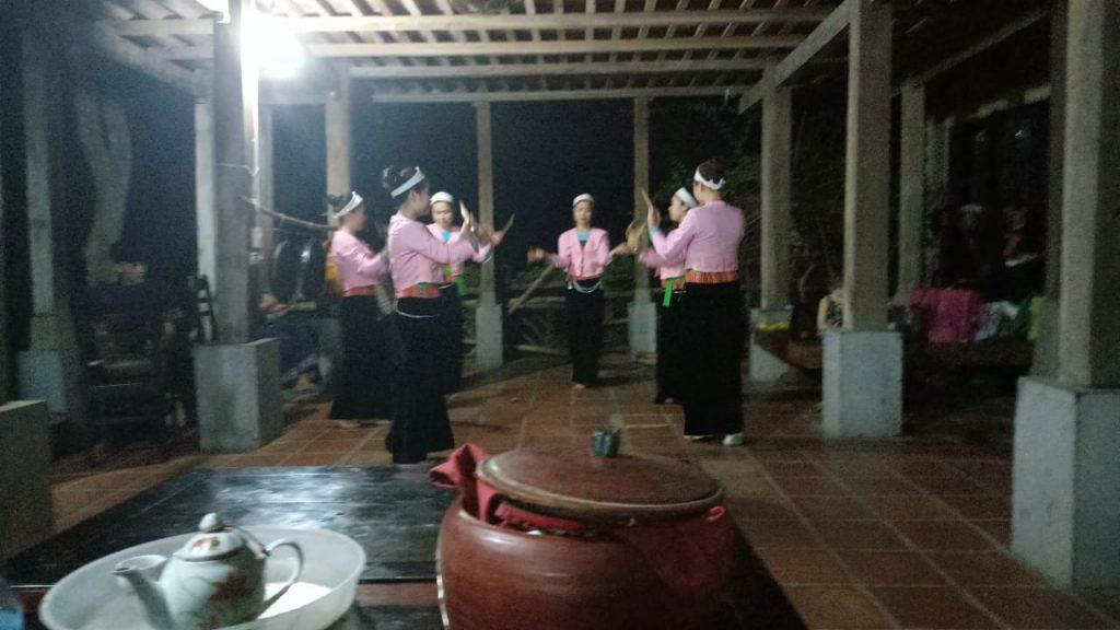 Bailes Mai Chau